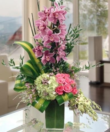 VIP arajman tasarımı orkide ve guller