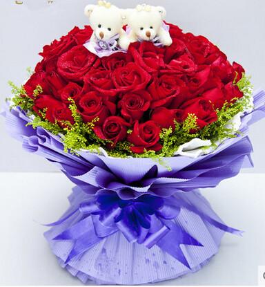 33 adet kırmızı güller ve şirin ayıcıklar