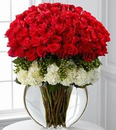 101 adet kırmızı gul vazosu VIP