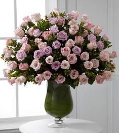 pastel renklerde gullerden  vıp cam vazo tasarımı