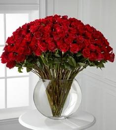 naturel kırmızı gul vazosu