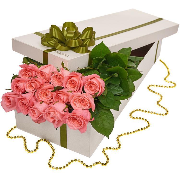 uzun kutuda ithal pembe güller
