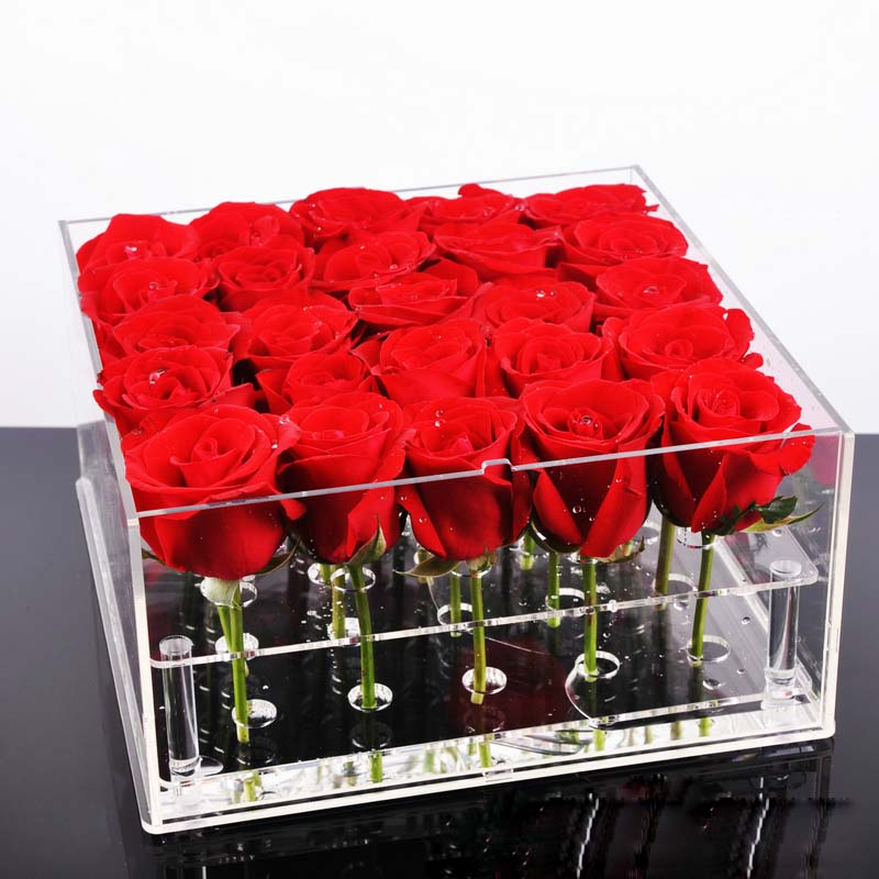 özel kutuda kırmızı güller