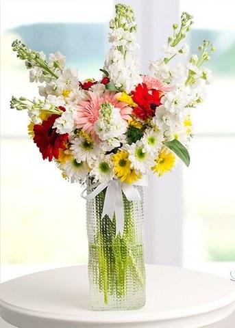 kır çiçekleri vazosu